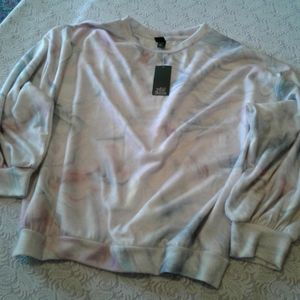 🌺 NWT Wild Fable Soft Clouded Sweatshirt
